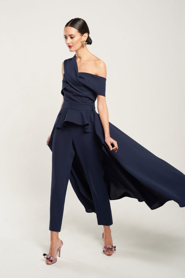 Invitada pantalón elegante